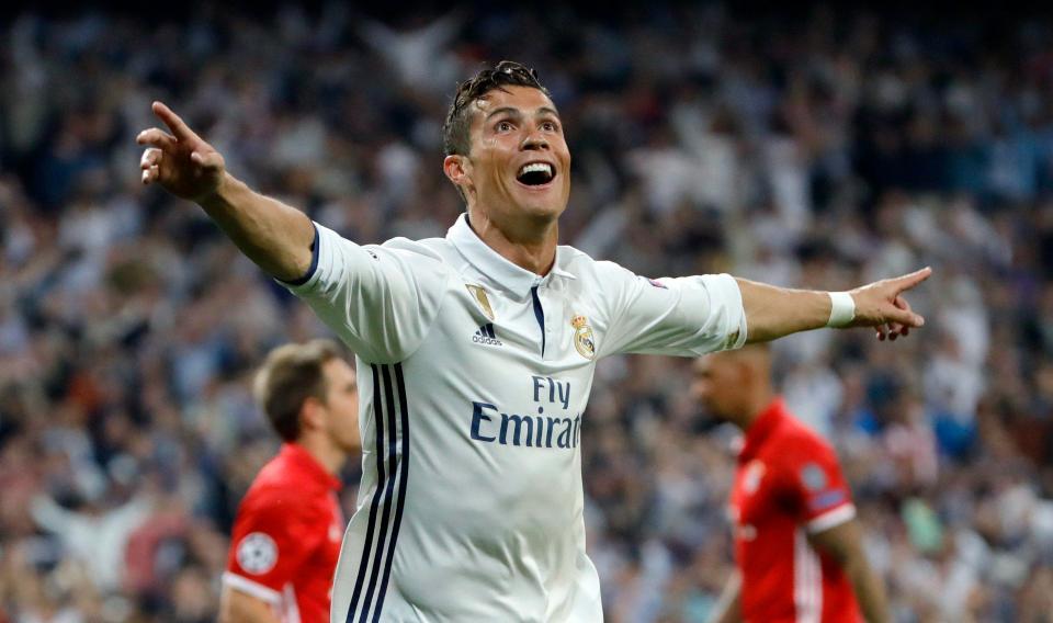 Ronaldo giỏi hơn Messi và bất cứ ngôi sao nào khác - Ảnh 3.