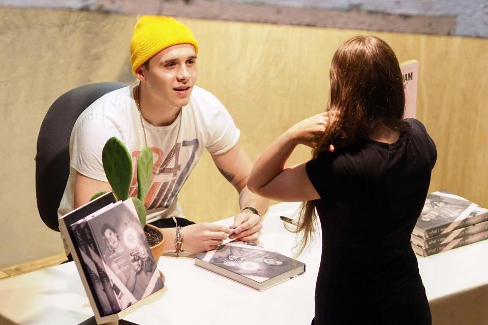 Harper Beckham cực đáng yêu và giống hệt anh trai Brooklyn trong hình ảnh mới - Ảnh 5.