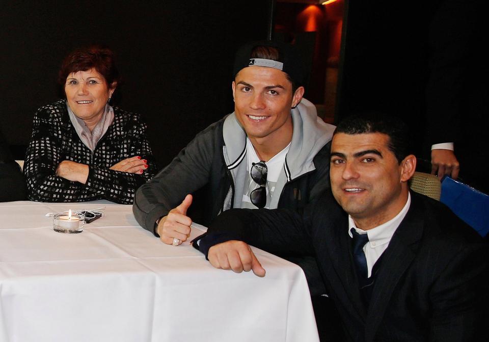Ronaldo đã cứu vớt cuộc đời anh trai nghiện rượu và ma túy như thế nào? - Ảnh 8.