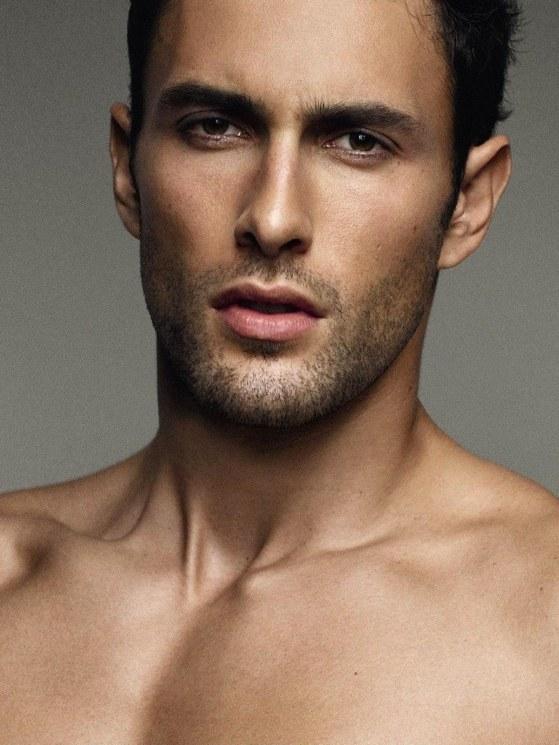 Top 10 người đàn ông đẹp trai nhất thế giới: Bạn mê mệt vẻ quyến