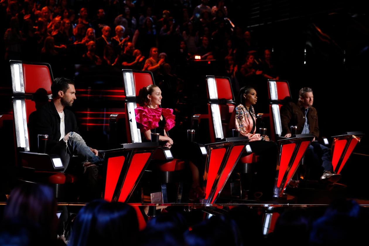 The Voice US: Miley Cyrus quá nhọ, chưa gì đã bị loại gần hết team! - Ảnh 1.