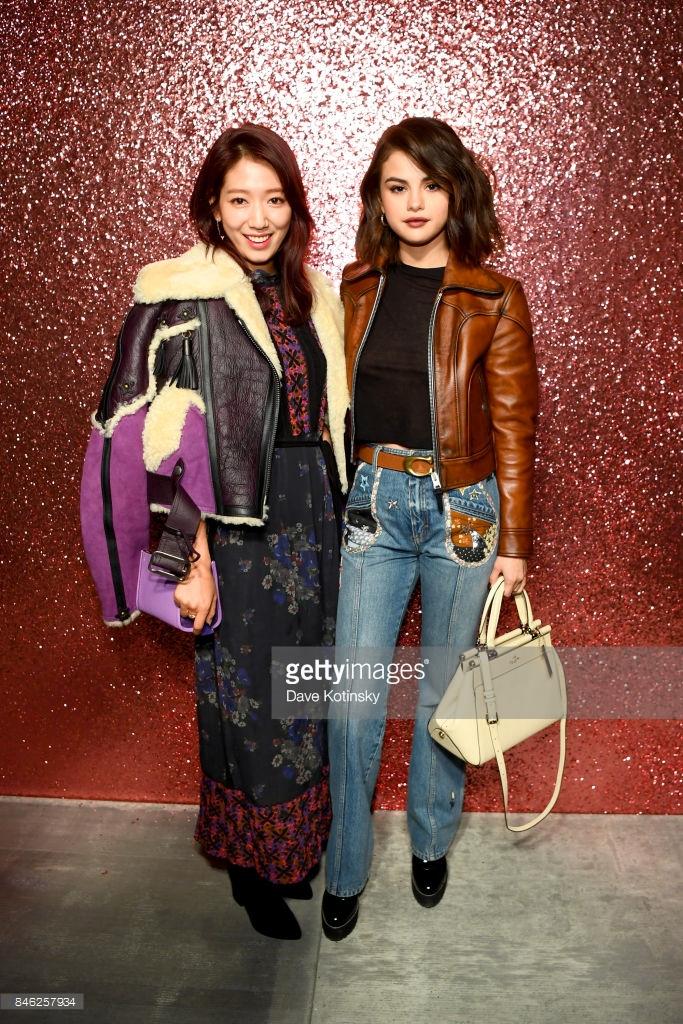 Park Shin Hye váy vóc điệu đà, Jessica Jung kín cổng cao tường tham dự NYFW - Ảnh 4.