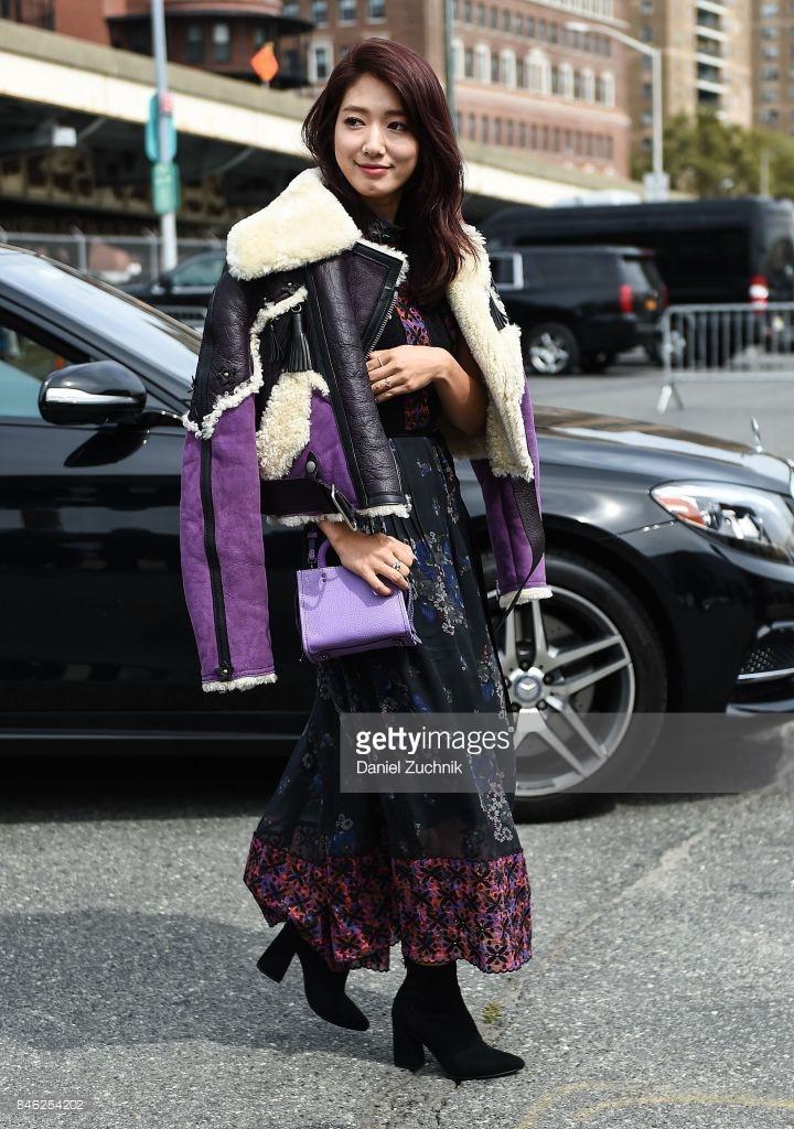 Park Shin Hye váy vóc điệu đà, Jessica Jung kín cổng cao tường tham dự NYFW - Ảnh 5.