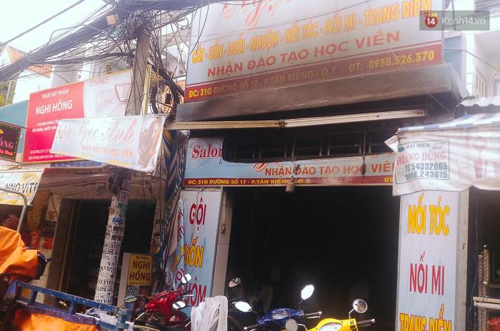 """Tài xế lái xe tải tông sập cửa nhà đang cháy để cứu người ở Sài Gòn: """"Tôi nghĩ chỉ còn cách đó mới phá được cửa"""" - Ảnh 1."""