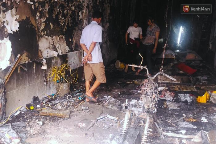 """Tài xế lái xe tải tông sập cửa nhà đang cháy để cứu người ở Sài Gòn: """"Tôi nghĩ chỉ còn cách đó mới phá được cửa"""" - Ảnh 4."""