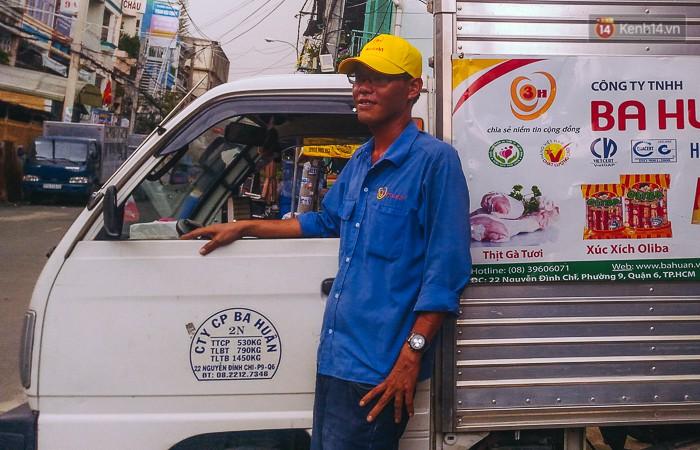 """Tài xế lái xe tải tông sập cửa nhà đang cháy để cứu người ở Sài Gòn: """"Tôi nghĩ chỉ còn cách đó mới phá được cửa"""" - Ảnh 2."""