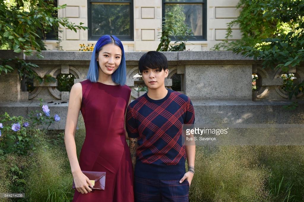 Park Shin Hye váy vóc điệu đà, Jessica Jung kín cổng cao tường tham dự NYFW - Ảnh 14.