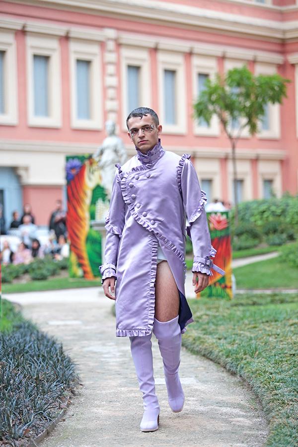 Hy vọng bạn vẫn còn thở sau khi biết đây là xu hướng thời trang nam của năm 2017 - Ảnh 20.