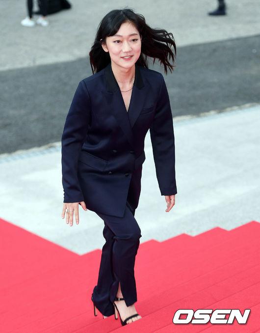 Thảm đỏ Korea Drama Awards: Hoa hậu Hàn đẹp nhất thế giới đẹp xuất sắc, nữ idol bỗng bật lên vì quá xinh - Ảnh 19.