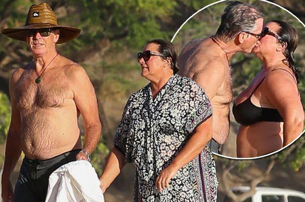 Sau nỗi đau mất vợ con, tài tử Điệp viên 007 tìm được tình yêu mới và họ yêu nhau suốt 23 năm dù cô ấy béo, xấu thế nào - Ảnh 17.