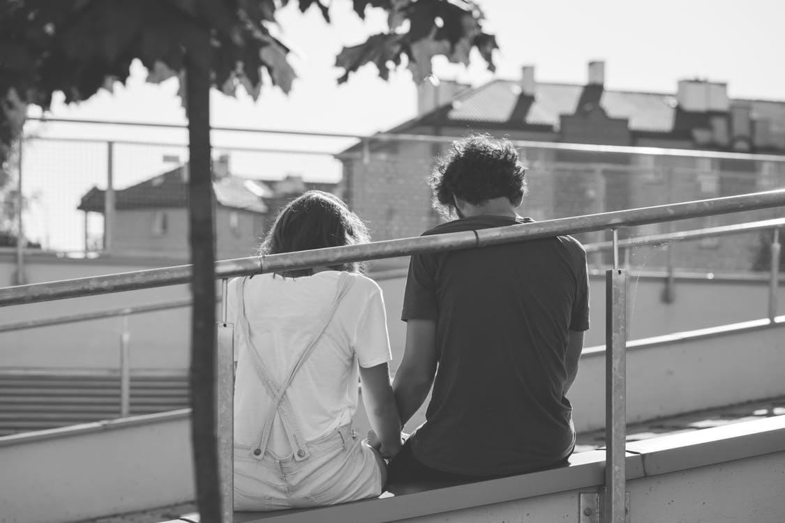 Yêu xa cũng có là gì, chỉ cần chúng ta vững tin vào tình yêu của nhau - Ảnh 2.