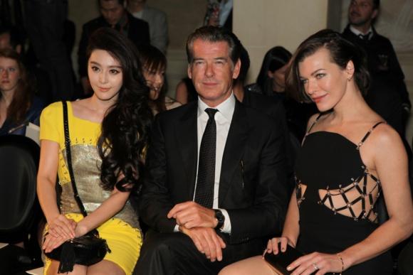 Mỹ nhân Cbiz - Hollywood đọ sắc: Lưu Diệc Phi kém sang bên Gigi Hadid, Phạm Băng Băng sắc sảo không thua Blake Lively - Ảnh 8.
