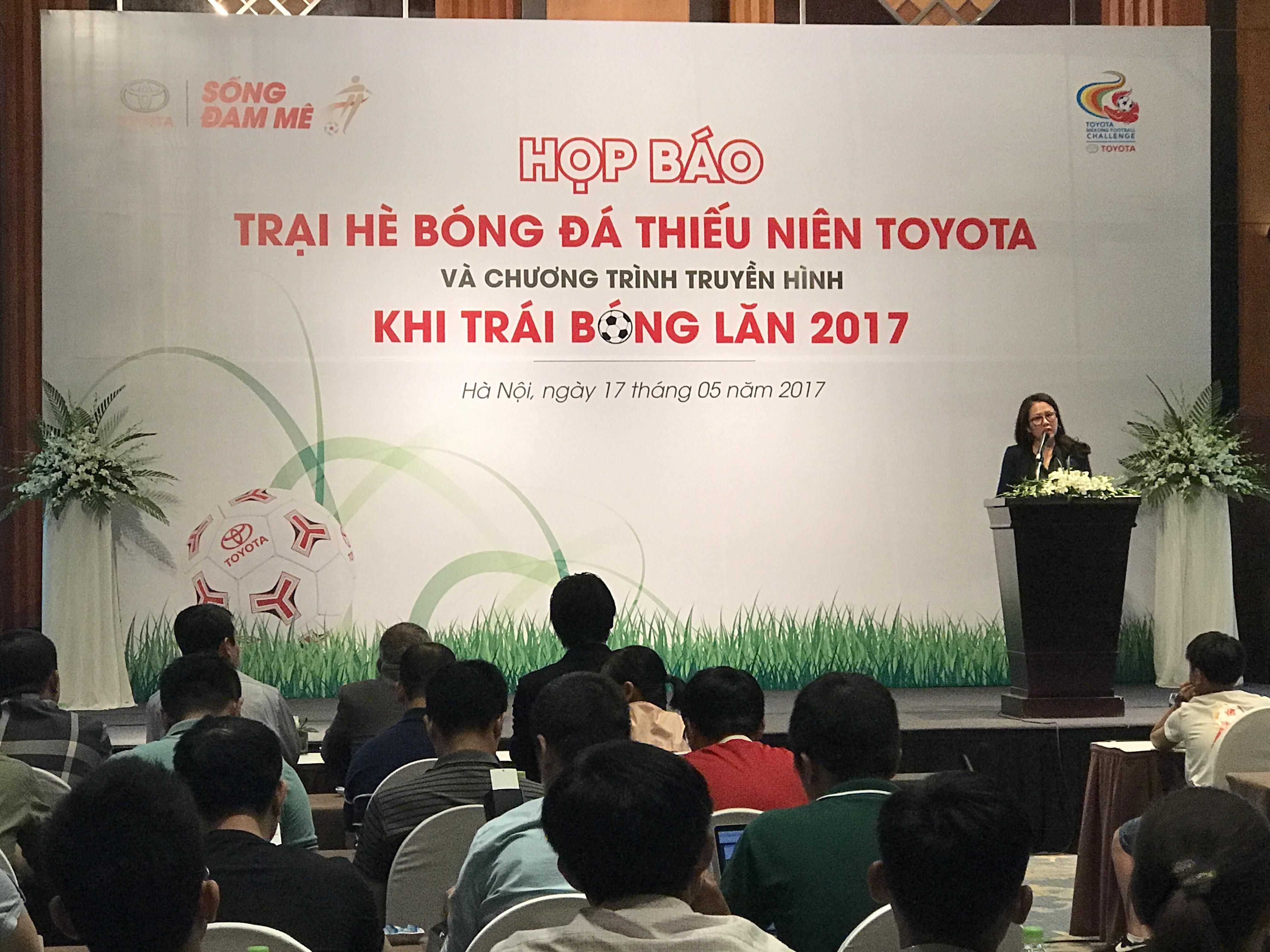 Tú Linh MU, Diệu Nhi sát cánh cùng cựu danh thủ Hồng Sơn trong Trại hè bóng đá - Ảnh 1.