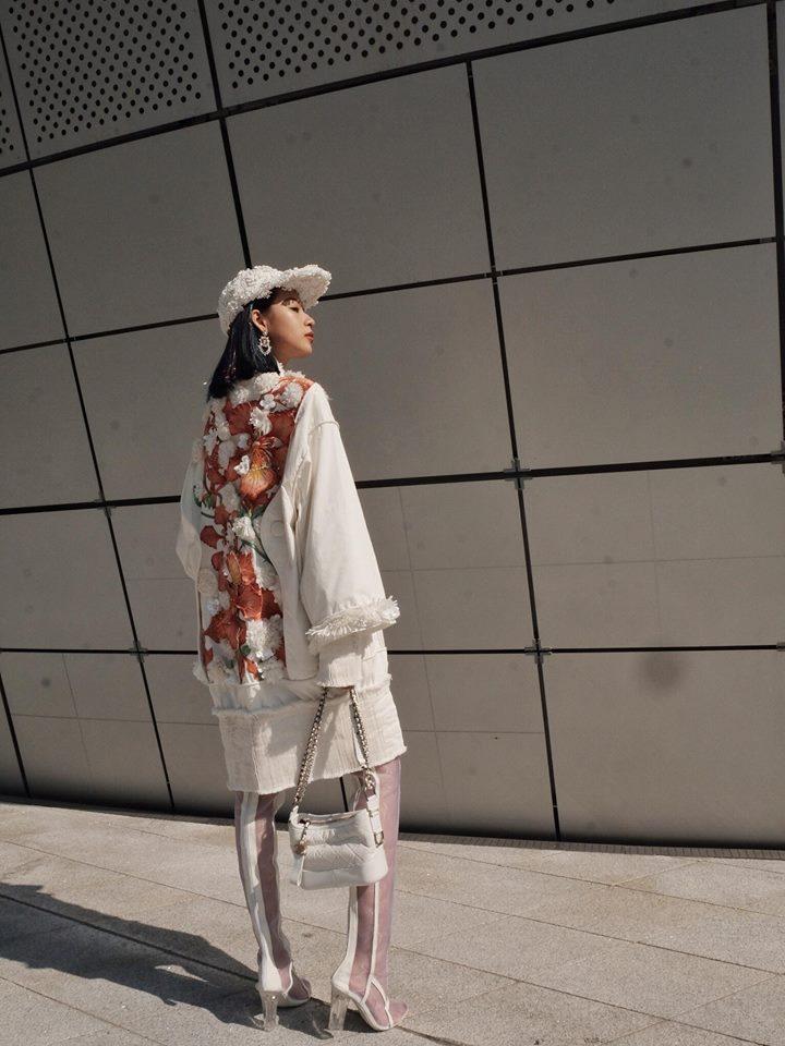 Hoàng Ku diện 700 triệu lên người, Phí Phương Anh mang Em Hoa đến chào sân Seoul Fashion Week - Ảnh 2.