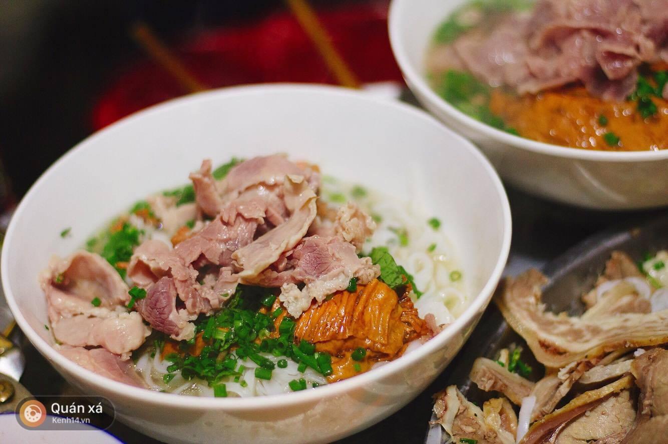 Phở và gỏi cuốn Việt Nam lọt vào top 50 món ăn ngon nhất thế giới do CNN bình chọn - Ảnh 2.