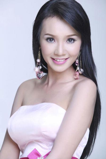 Chồng Helen Thanh Đào: Chấp nhận 18 năm bị gọi là anh trai, bán nhà nghỉ việc để gây dựng sự nghiệp ảo cho vợ - Ảnh 2.