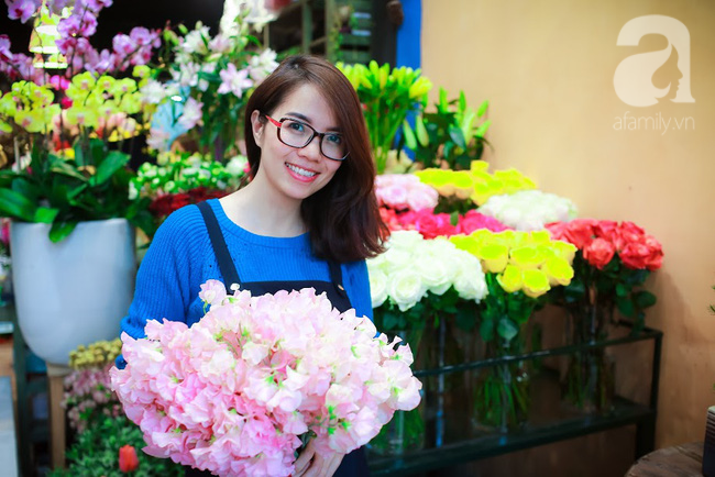Hà Nội: Chi 72 triệu để mua hoa tươi nhập khẩu đủ tiêu chí độc và đẹp về chơi Tết - Ảnh 2.