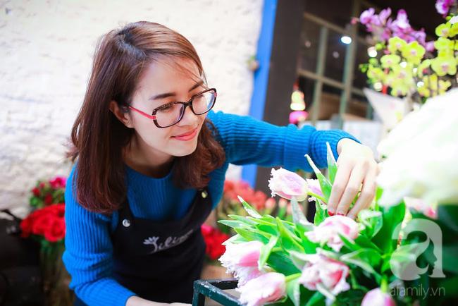 Hà Nội: Chi 72 triệu để mua hoa tươi nhập khẩu đủ tiêu chí độc và đẹp về chơi Tết - Ảnh 16.