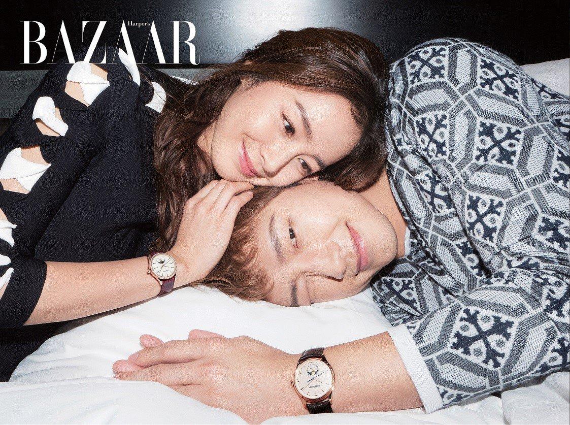 Kim Tae Hee và Bi Rain lộ khoảnh khắc chăm sóc nhau mùi mẫn hiếm hoi trên bìa tạp chí - Ảnh 3.