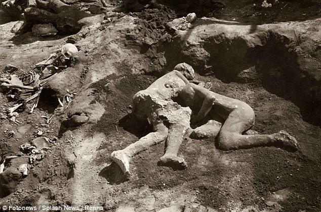 Đây là thi thể hóa đá tại Pompeii hot nhất mạng xã hội, và chỉ cần nhìn là bạn hiểu lý do - Ảnh 2.