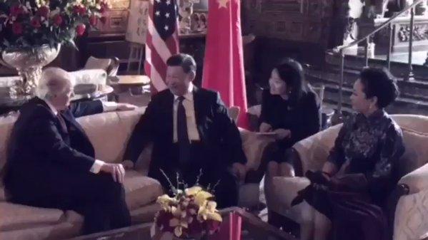Video cháu ngoại Tổng thống Trump hát tiếng Trung tặng vợ chồng Chủ tịch Tập Cận Bình được chia sẻ rào rào trên mạng - Ảnh 2.