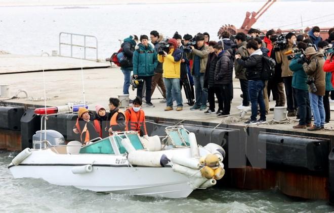 Hàn Quốc tưởng niệm 3 năm ngày xảy ra vụ chìm phà Sewol - Ảnh 1.