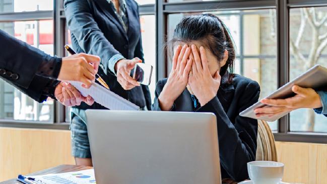 Nhật Bản giảm số giờ làm khi tỉ lệ tử vong vì làm việc kiệt sức có xu hướng tăng cao - Ảnh 2.