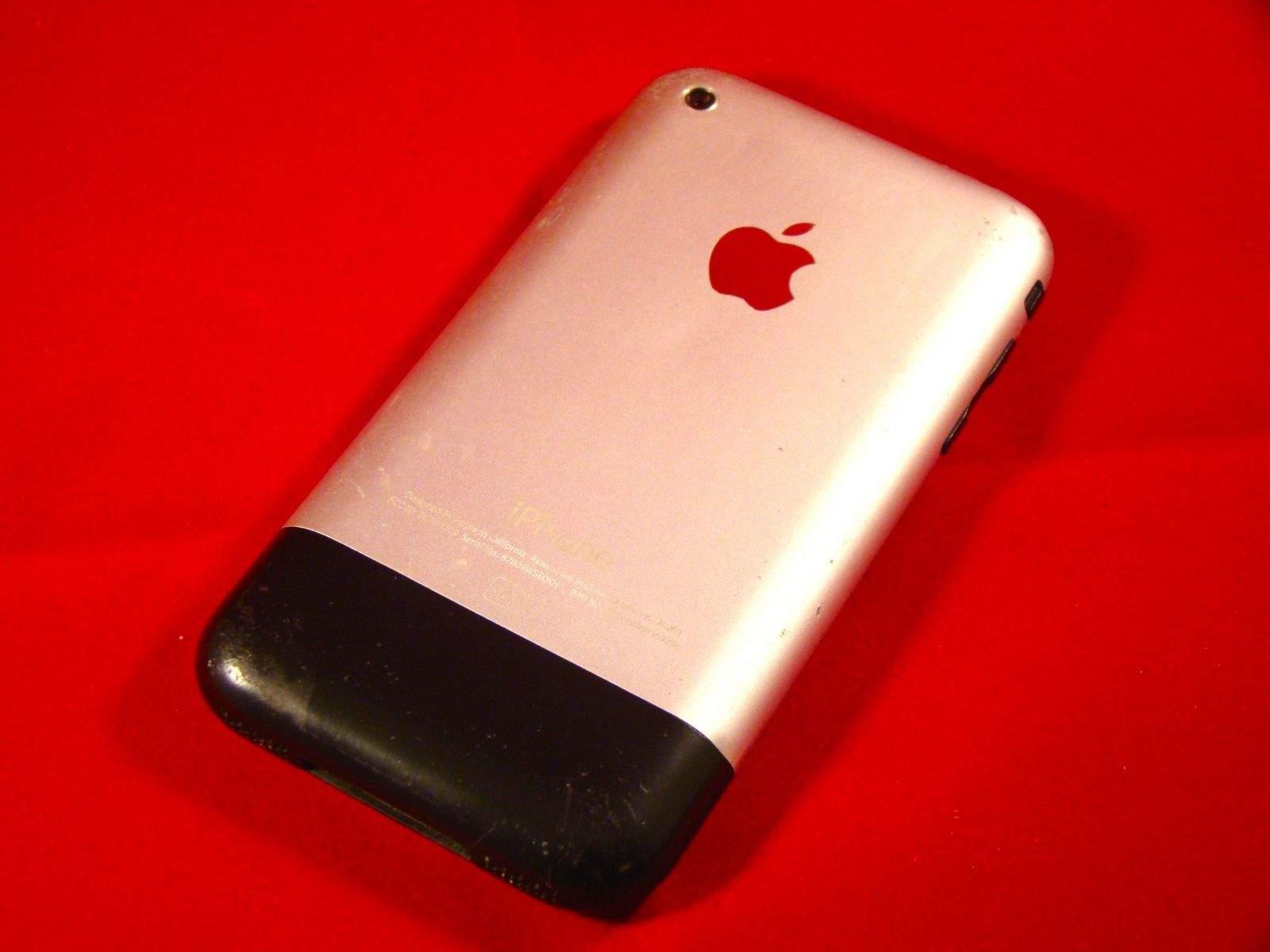 Logo Apple là một quả táo cắn dở, lý do đằng sau sẽ khiến bạn