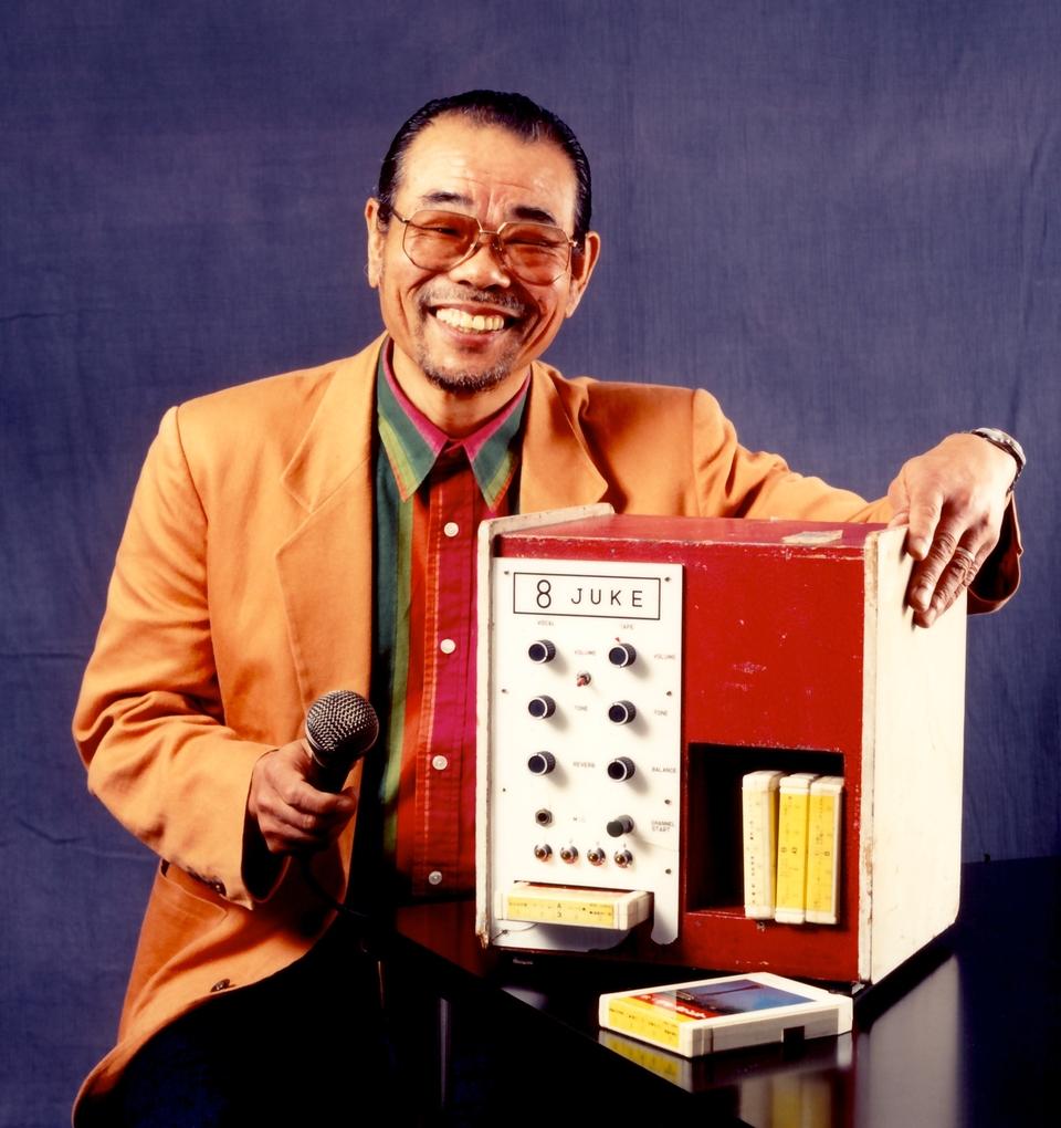 Câu chuyện khó tin ít người biết đằng sau sự ra đời của những chiếc máy hát karaoke - Ảnh 2.