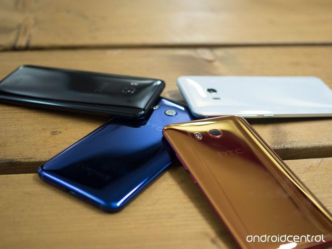 HTC U11 chính thức ra mắt, cho phép người dùng thao tác bằng cách bóp chặt - Ảnh 2.