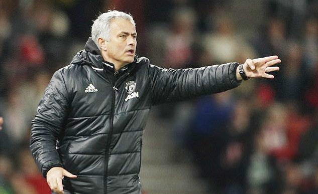 MU bị ép quá đáng, Mourinho cho Ngoại hạng Anh nổ tung - Ảnh 2.
