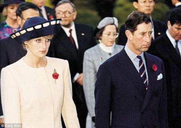 Công nương Diana từng bị chồng chê thẳng thừng, so sánh với em dâu, bị Nữ hoàng coi nàng như mối họa - Ảnh 1.