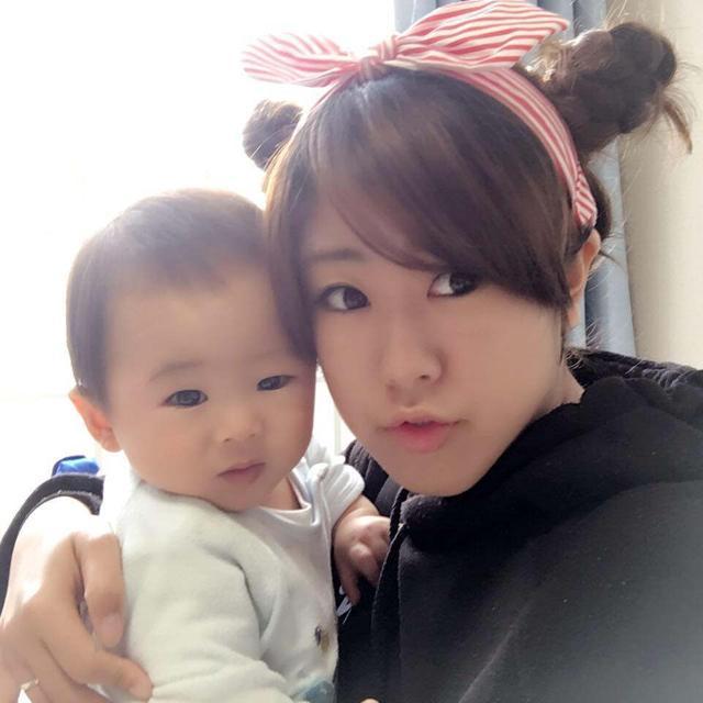 Mưa lũ kinh hoàng ở Nhật Bản: Thi thể người mẹ trẻ đang mang thai vẫn ôm chặt con trai 2 tuổi trong vòng tay - Ảnh 1.