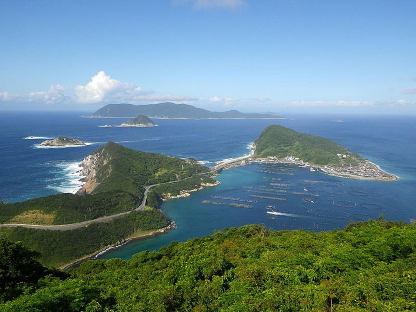 Đảo thiêng cấm phụ nữ của Nhật Bản được UNESCO công nhận là di tích văn hóa thế giới - Ảnh 1.