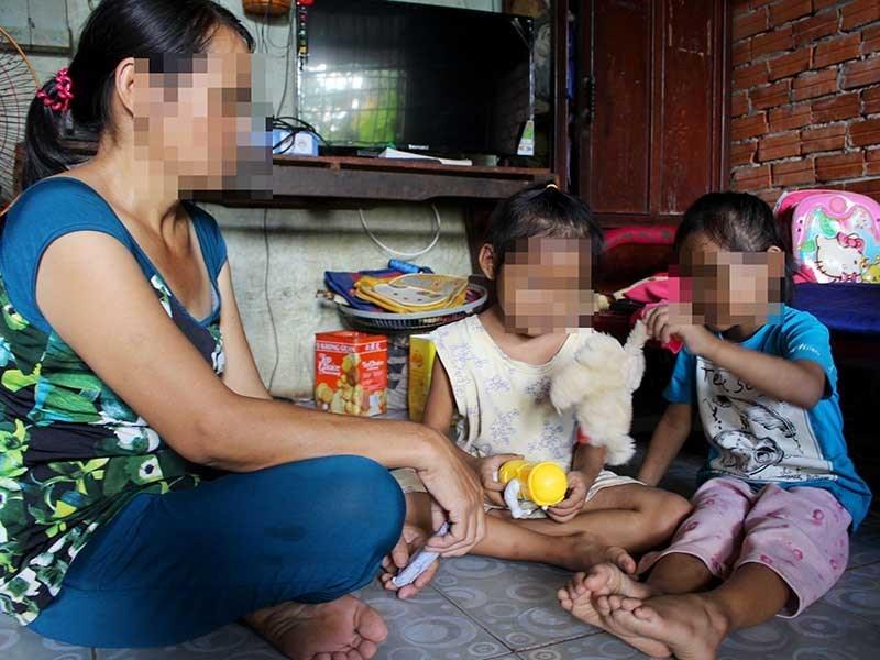 Công an Bình Chánh khởi tố vụ án xâm hại 2 trẻ sinh đôi - Ảnh 1.