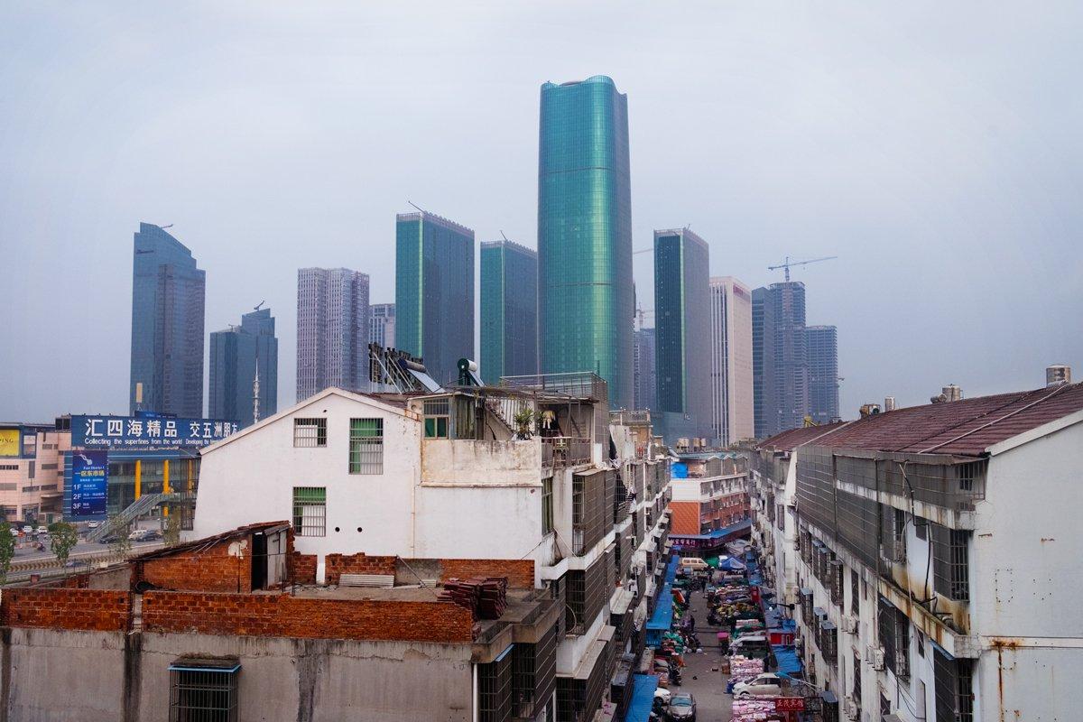 Bên trong công xưởng lớn nhất Trung Quốc, nơi các sản phẩm Made in China được gửi ra toàn cầu - Ảnh 1.