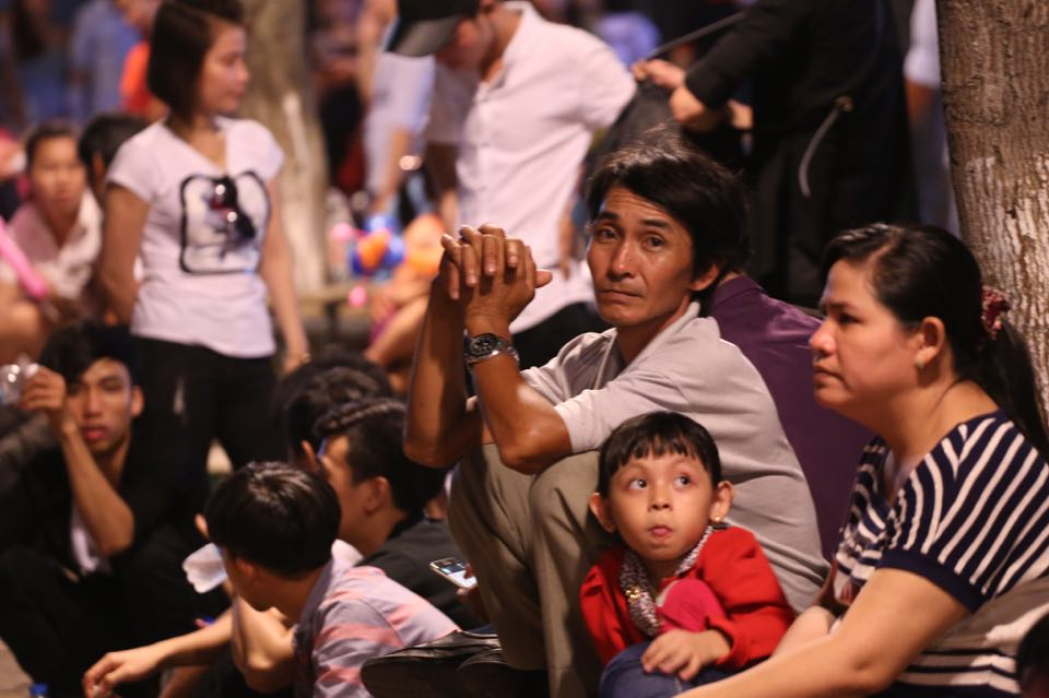 Hàng ngàn người dân đổ về Công viên Đầm Sen xem pháo hoa mừng Tết Độc Lập - Ảnh 5.