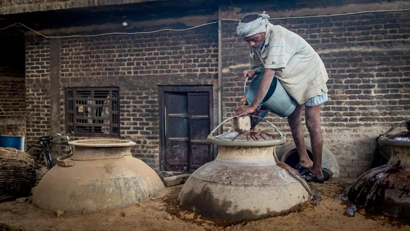 Kinh đô nước hoa của Ấn Độ, nơi cất giữ linh hồn của những mùi hương và cuộc chiến với ngành nước hoa công nghiệp - Ảnh 10.
