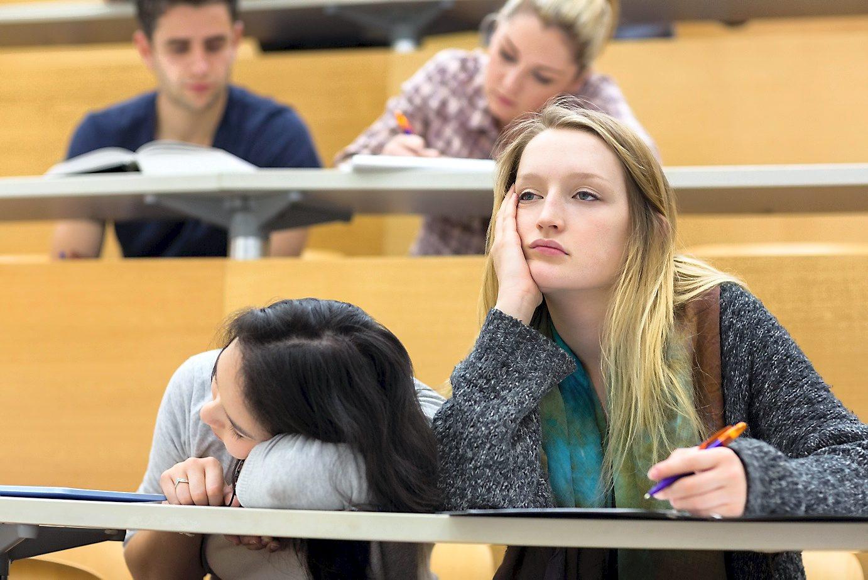 Những sai lầm khiến sinh viên bỏ dở việc học - Ảnh 1.