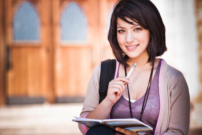 Muốn tiết kiệm, sinh viên hãy học cách chi tiêu thông minh - Ảnh 2.