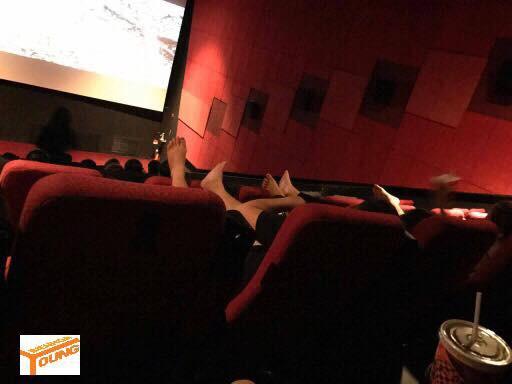 Đôi nam nữ nghĩ rạp chiếu phim là nhà riêng và phản ứng dữ dội của cư dân mạng - Ảnh 4.
