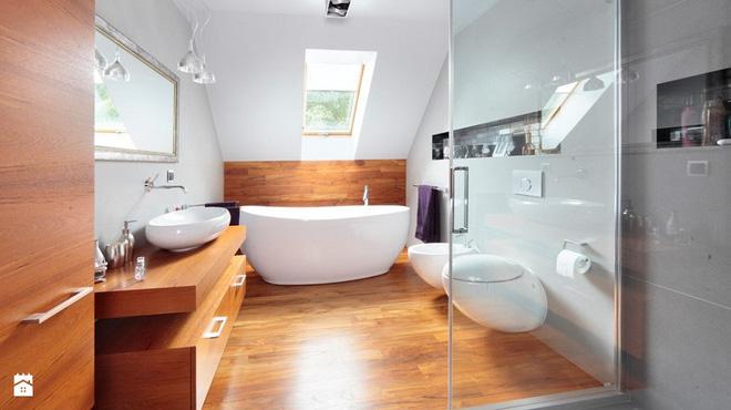 14 thiết kế phòng tắm gác mái vừa nhìn qua đã thích ngay - Ảnh 1.