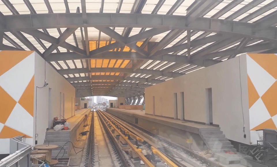Chùm ảnh: Chạy thử nghiệm tàu công trình dự án tuyến đường sắt Cát Linh - Hà Đông - Ảnh 9.