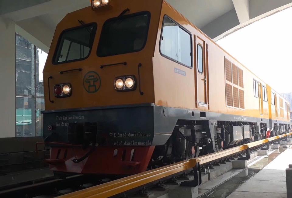 Chùm ảnh: Chạy thử nghiệm tàu công trình dự án tuyến đường sắt Cát Linh - Hà Đông - Ảnh 2.