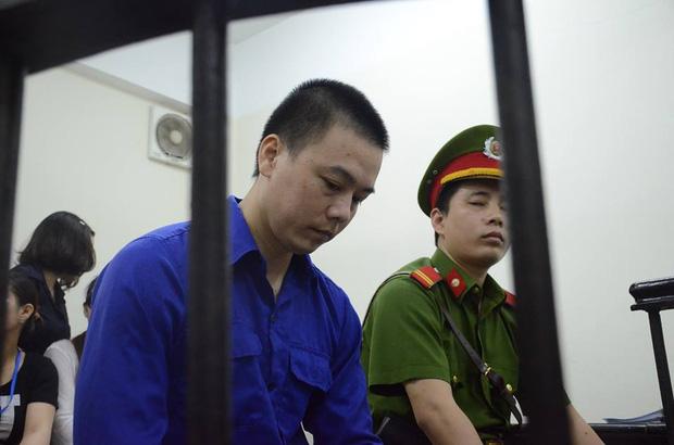 Xét xử sơ thẩm vụ dâm ô bé gái 8 tuổi: Cao Mạnh Hùng lãnh 2 năm tù giam, bồi thường 20,7 triệu đồng - Ảnh 1.