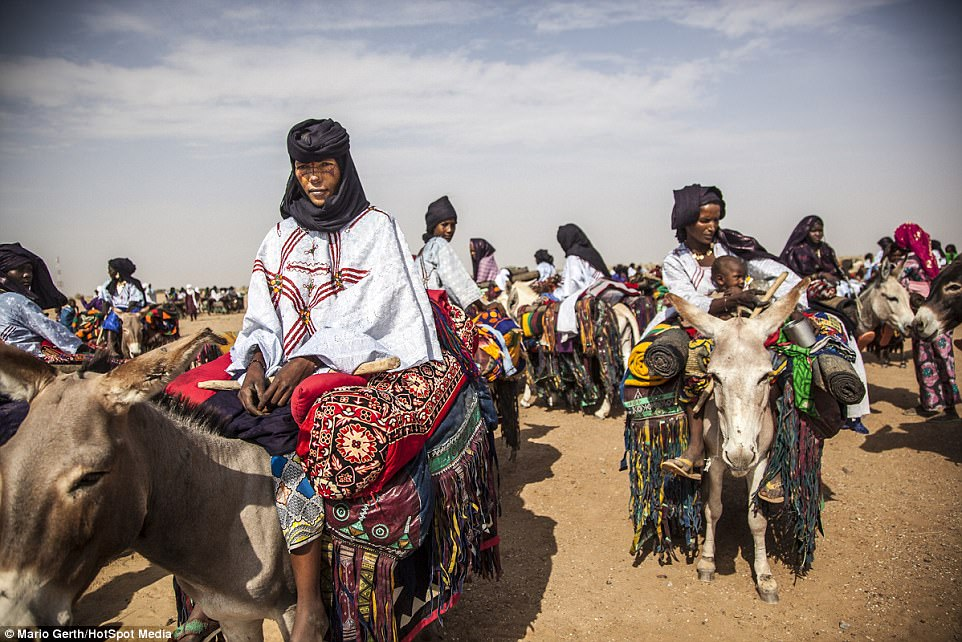 Lễ hội cướp vợ, đổi chồng của bộ tộc tây Phi - Ảnh 9.