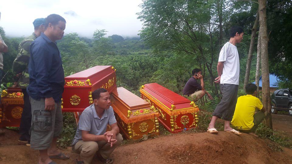 Sạt lở ở Hòa Bình: Tìm thấy 9 thi thể - Ảnh 10.