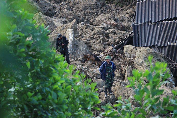 Sạt lở ở Hòa Bình: Tìm thấy 9 thi thể - Ảnh 25.