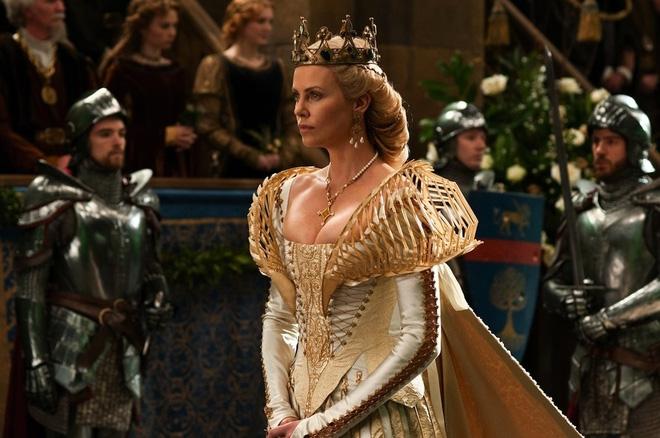 Hoàng hậu được mệnh danh là ác phụ độc dược, 3 đời chồng vẫn đẹp như đóa hồng Athens - Ảnh 2.