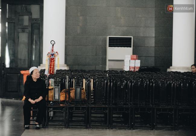 Những khoảnh khắc không thể quên trong chuyến xe cuối cùng tiễn đưa thầy Văn Như Cương về trời - Ảnh 2.